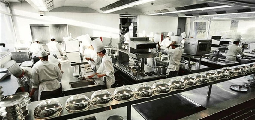 8 Tips to Purchase a Great Commercial Kitchen Equipment