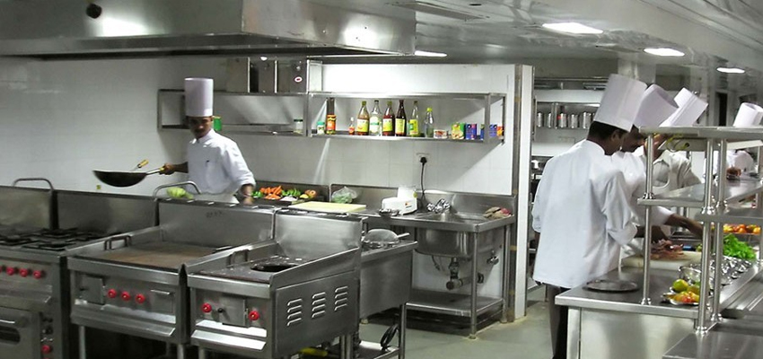 Making Food Preparation Easy with Varied Commercial Kitchen Equipment