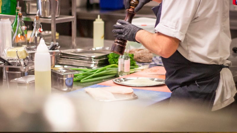 Commercial Kitchen Equipment Buying Guide: Deciding between New & Used Appliances