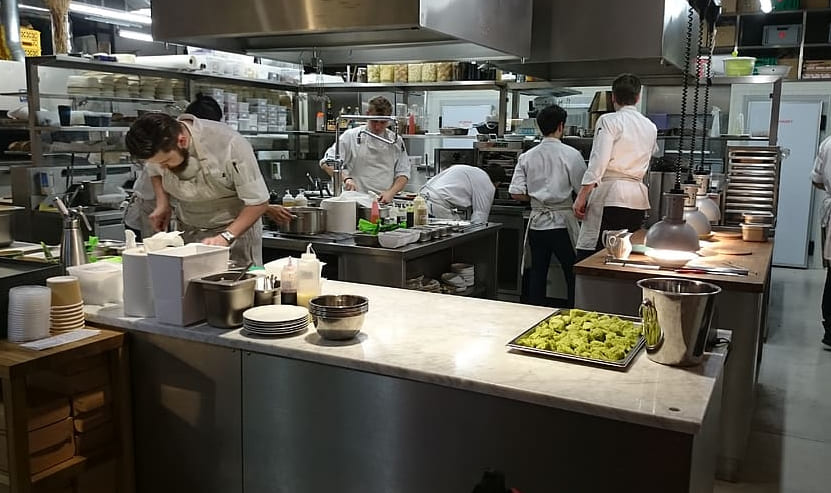Advantages of Using & Maintaining Commercial Kitchen Equipment