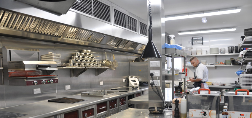 Reasons & Tips for Selecting a Good Exhaust Hood Canopy