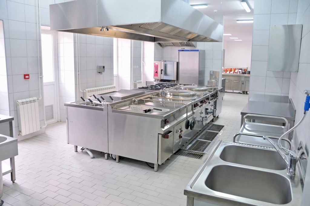 Stainless Steel Benches, Sinks & Shelf – Features & Things to Check